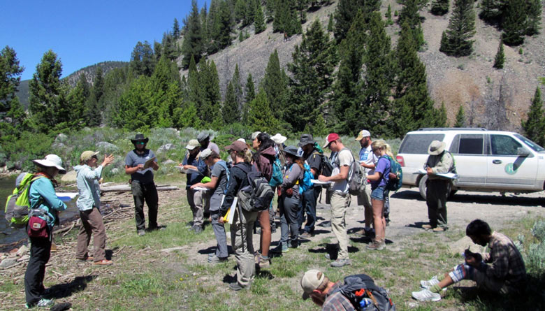 Guest instructor Sylvia Nicovich joins Professor Melanie Michalak for a pre-mapping introduction to the geology of western Montana.